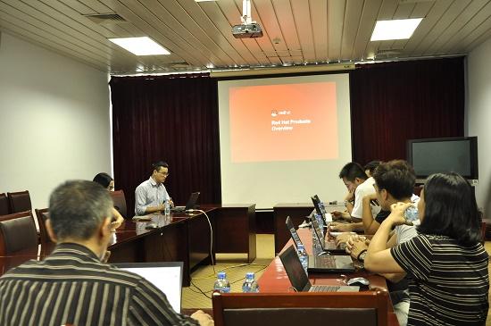 Đại diện của Red Hat tại buổi làm việc cùng HiPT